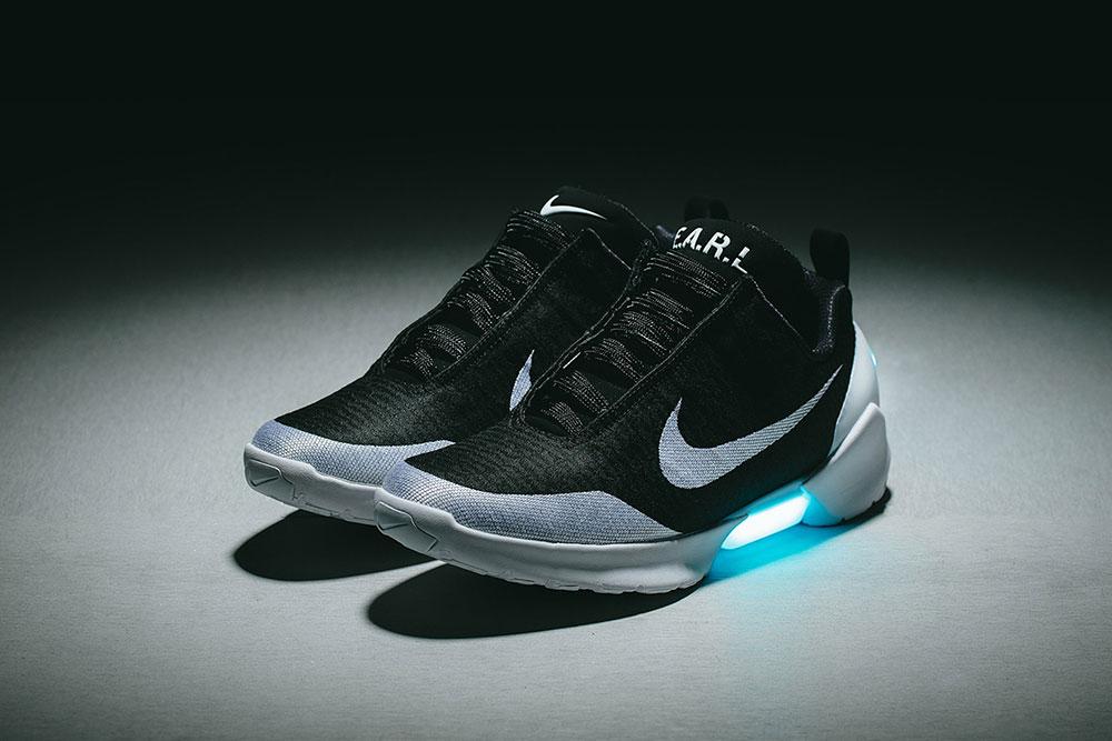 super popular 0c3c1 42c70 Nike anuncia la llegada al país, de una de las zapatillas más futuristas  del mundo del calzado, las Nike HyperAdapt 1.0. Estas zapatillas se  destacan por su ...